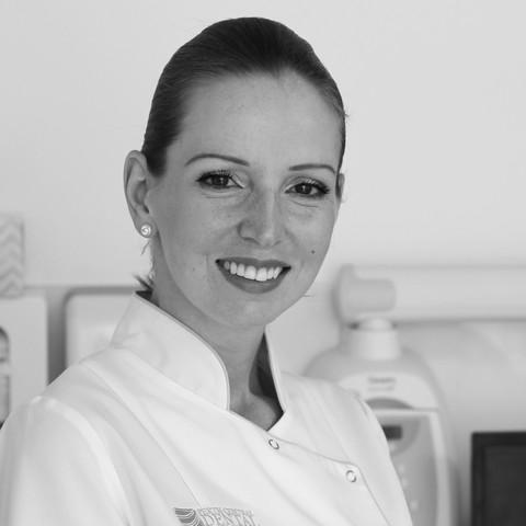 Dr Vera Zirojevic